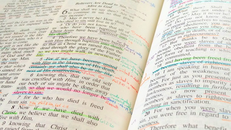13 excellent reasons you should write in your Bible