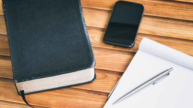 Dump your phone: 10 reasons your paper Bible is better